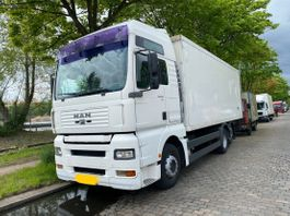 overige vrachtwagens MAN 26 410 Box 6x2 Manual.In top condition not 360 2002