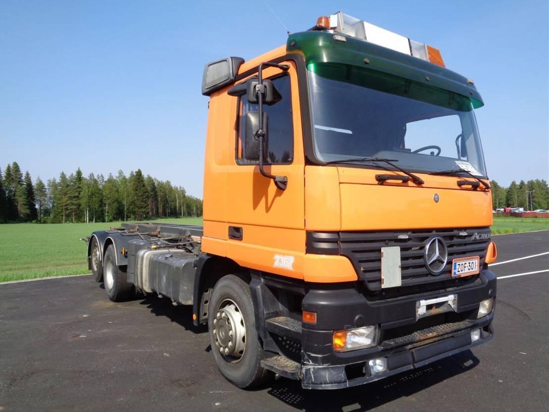 autohoogwerker vrachtwagen Mercedes-Benz Actros 2543 6x2 4500 2002