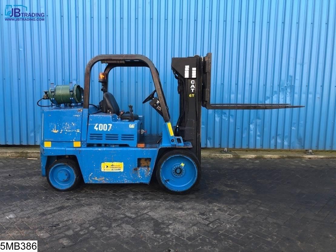 vorkheftruck Caterpillar T125D Max 5700 kg, H 3,50 mtr, LPG / GPL Gas 1990