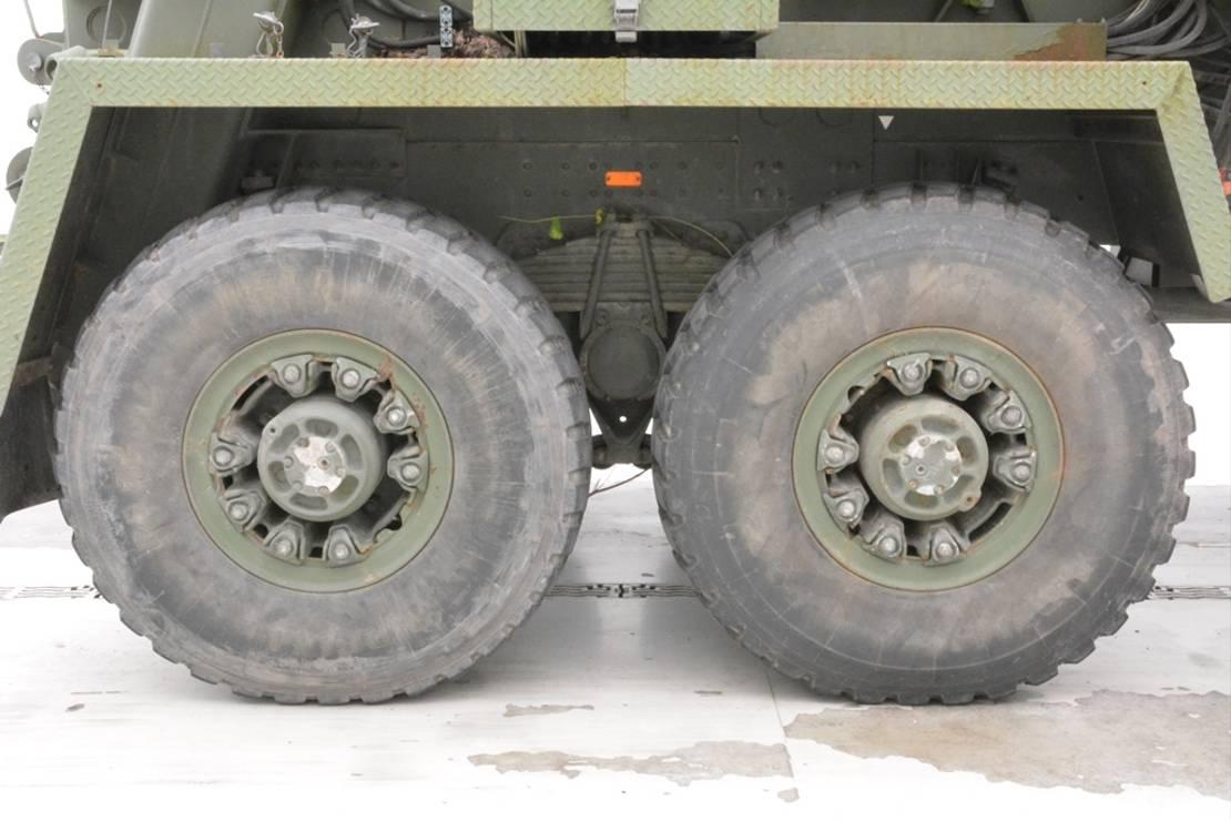 leger vrachtwagen Volvo N10.275 - 6x6 1989