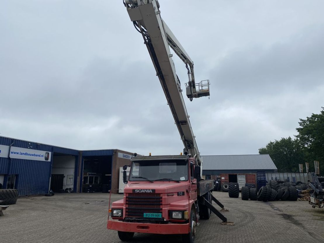 autohoogwerker vrachtwagen Scania T92 HL 6x2, Simon Snorkel, Sky-Platform lift, 32 Meter 1987