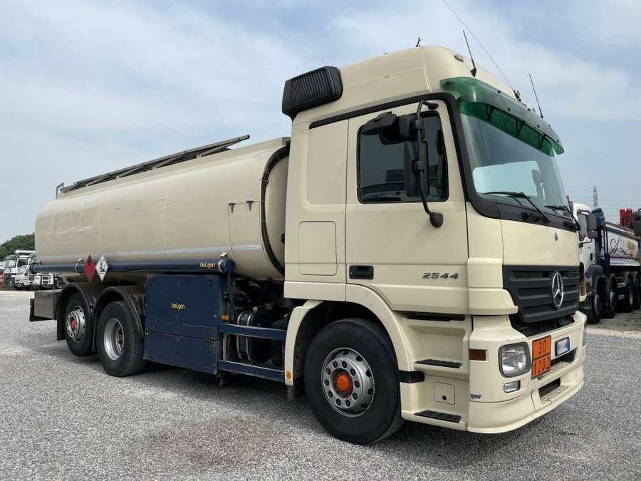 Mercedes-Benz - Actros 2544 ADR 20.800L 2