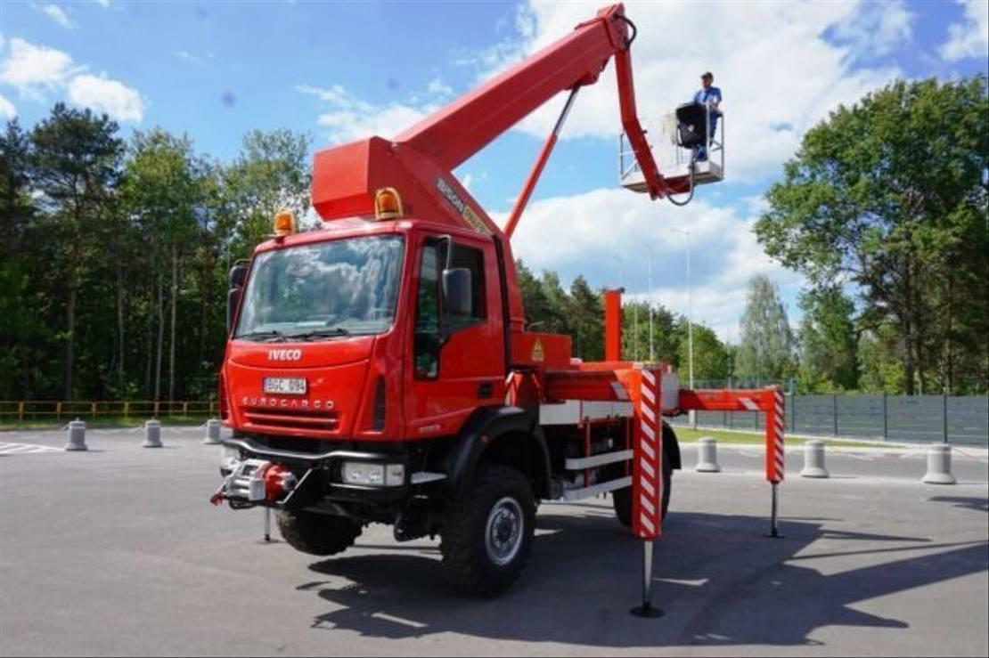 autohoogwerker vrachtwagen Iveco 100E18 4x4 28 METER PALFINGER BISON TKA 28 LIFT 100E18 4x4 28 METER PALFINGER BISON TKA 28 LIFT 2005