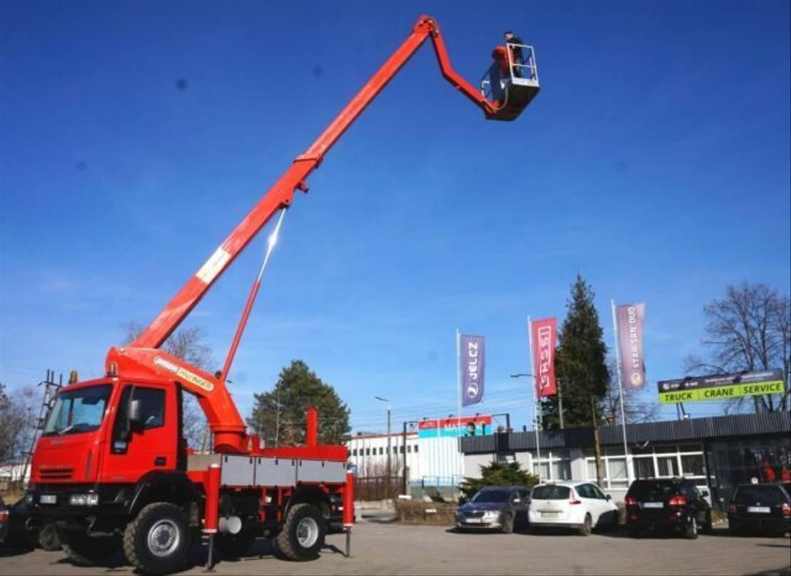 autohoogwerker vrachtwagen Iveco 100E18 4x4 PALFINGER BISON TKA 19 LIFT Aufzug . 2005