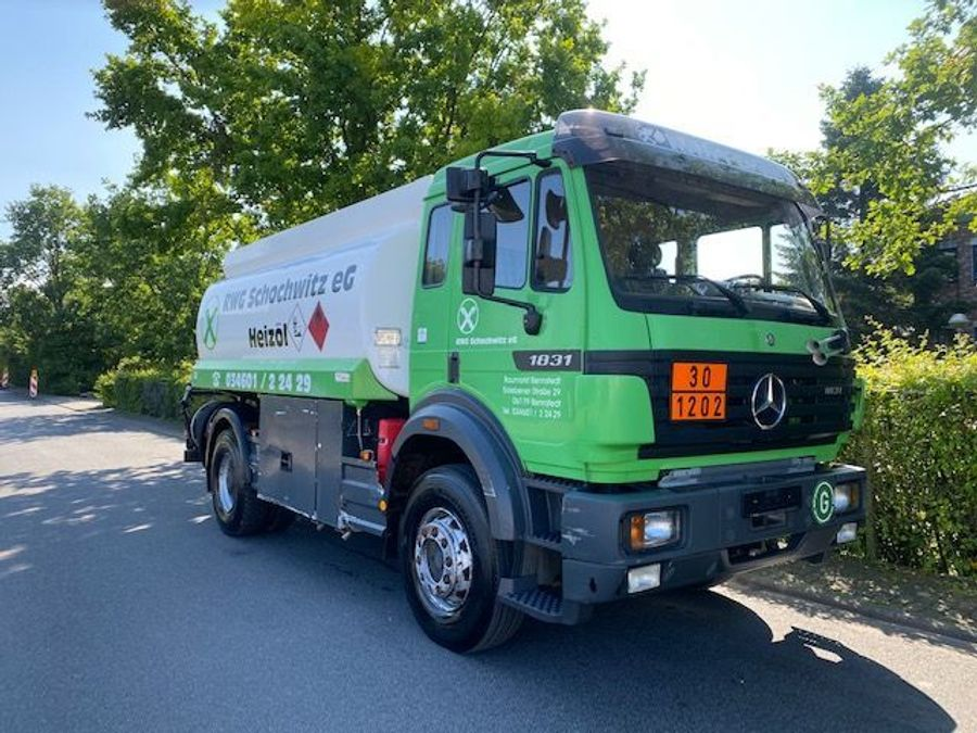 Mercedes-Benz - Tankwagen Willig D-Fahrzeug -1 Hand/ADR!! 2