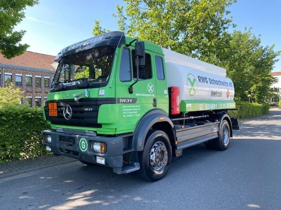 Mercedes-Benz - Tankwagen Willig D-Fahrzeug -1 Hand/ADR!! 1