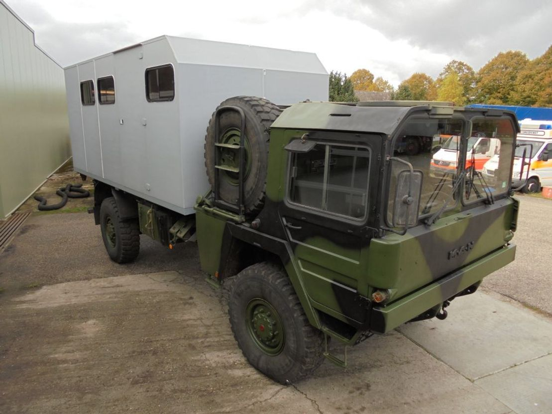 leger vrachtwagen MAN Camper 1978
