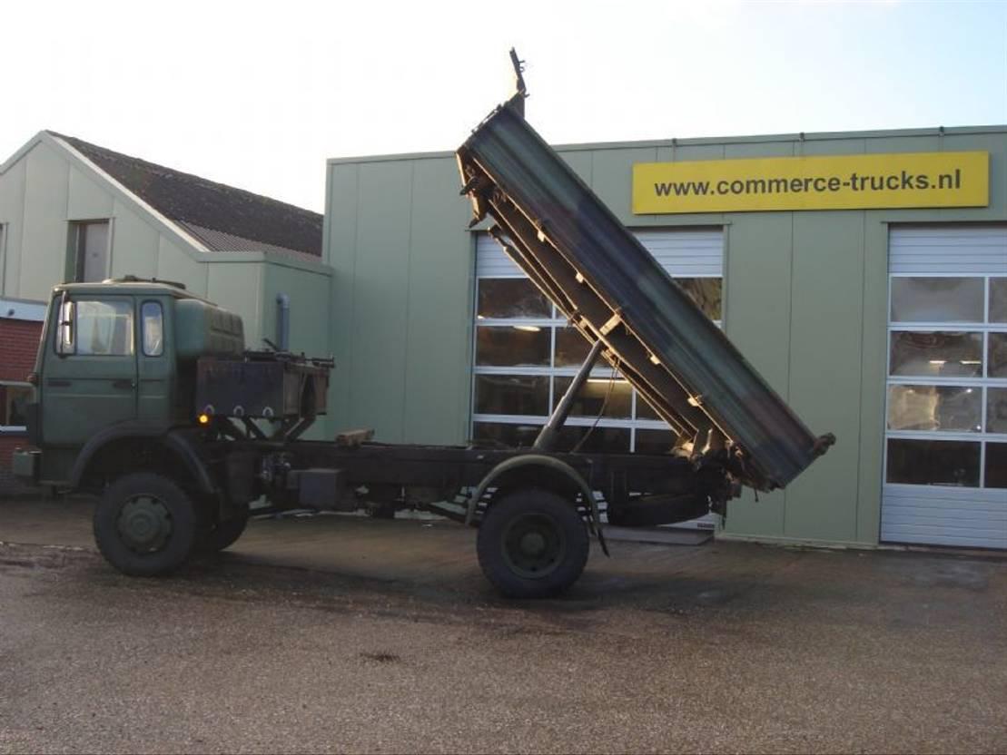 leger vrachtwagen Iveco 110 17 kipper