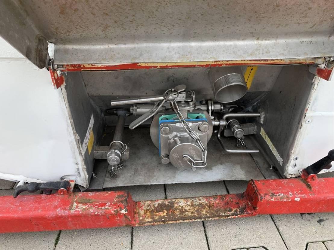 tankcontainer Van Hool El. heating, 20FT, swapbody TC 30.856L, L4BN, IMO-4, valid insp./CSC: 09/22 2000