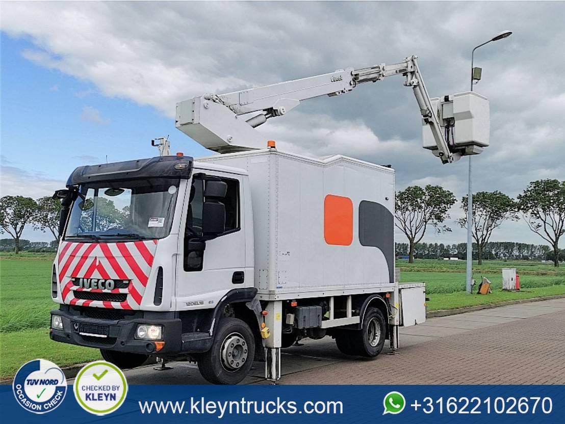 autohoogwerker vrachtwagen Iveco 120E18 2009