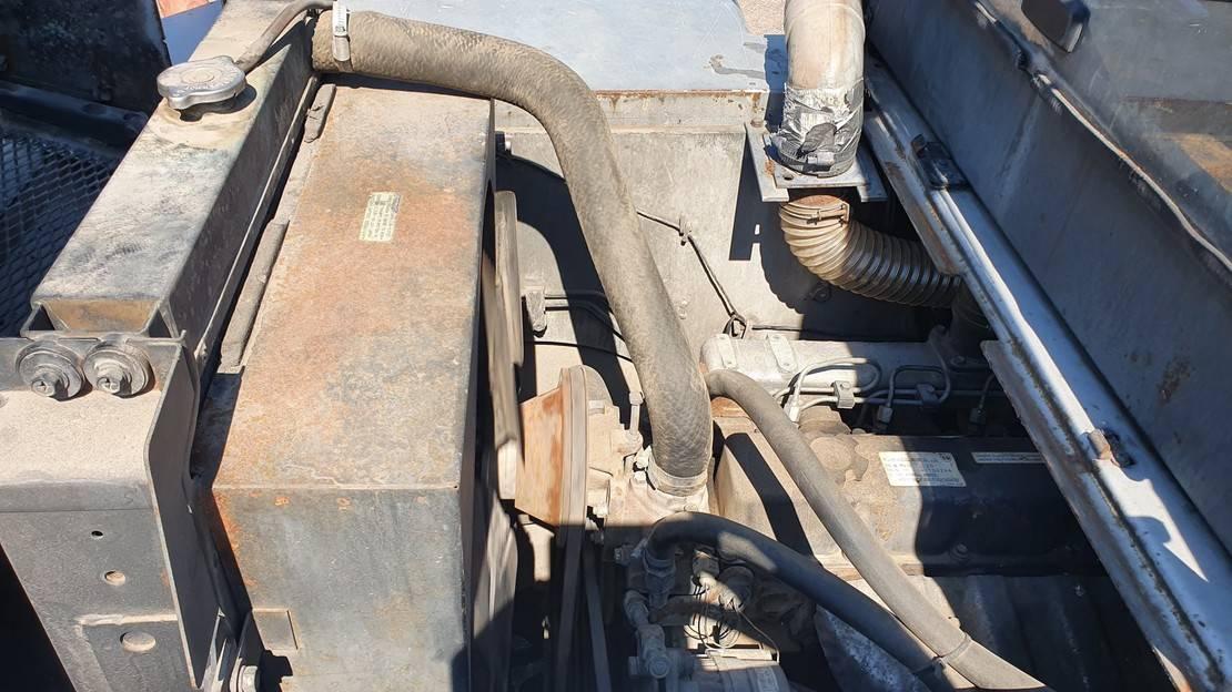 vorkheftruck Nissan 6 ton diesel 2009