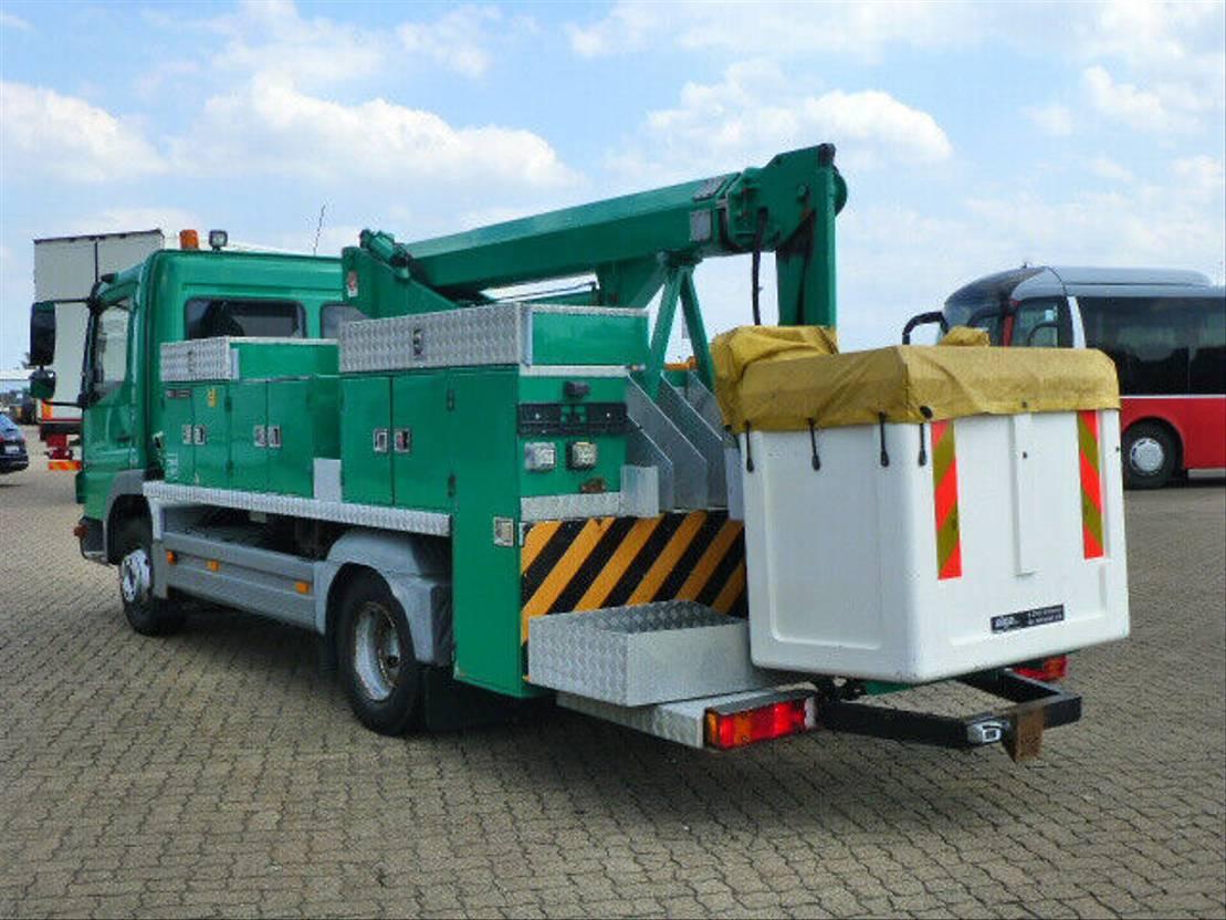 autohoogwerker vrachtwagen Mercedes-Benz 1018 Atego, T1012/12 m. Arbeitshöhe/Klima! 2008