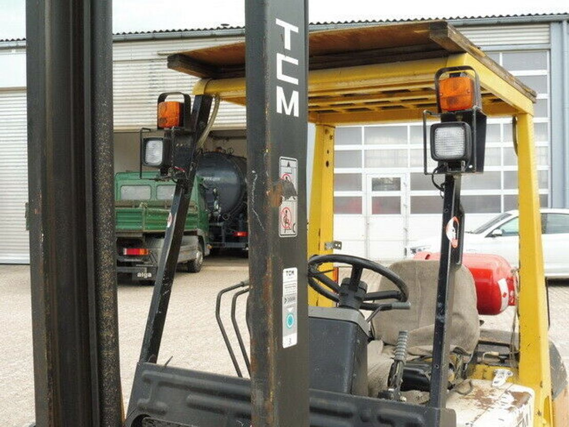 vorkheftruck TCM FG 30 N8, Traglast 3.000kg, hubhöhe 5.000mm, LPG 1992