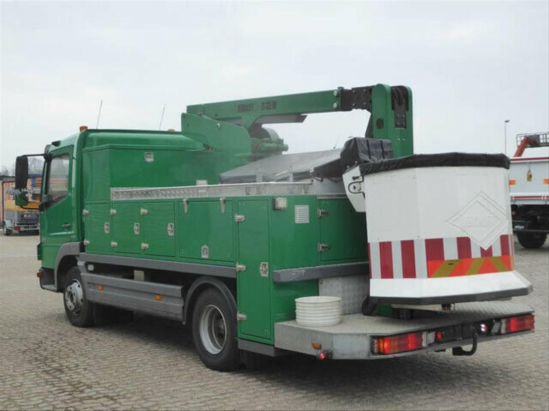 autohoogwerker vrachtwagen Mercedes-Benz 818 2007