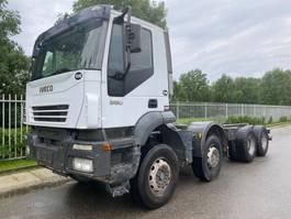 chassis cabine vrachtwagen Iveco Trakker 380 Manual Gearbox 13 CURSOR Full steel suspension Big axel !!!!! 2006