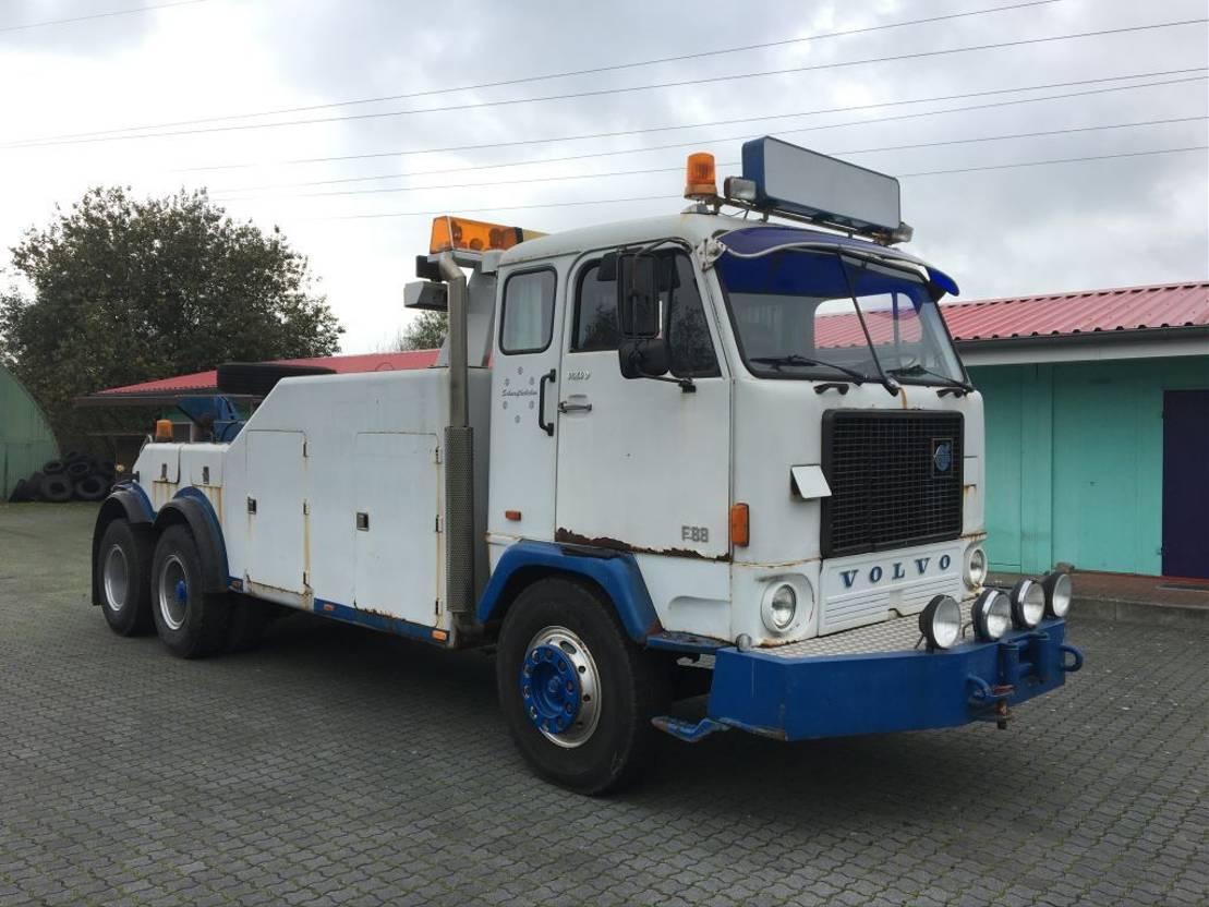 takelwagen-bergingswagen-vrachtwagen Volvo F 88 F88 1975