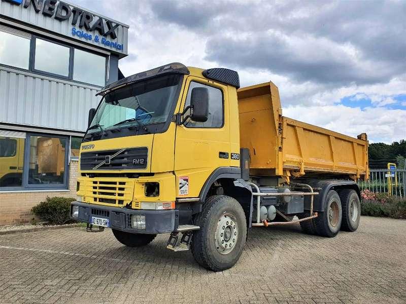 Volvo - 6X4 (Tipper) 5