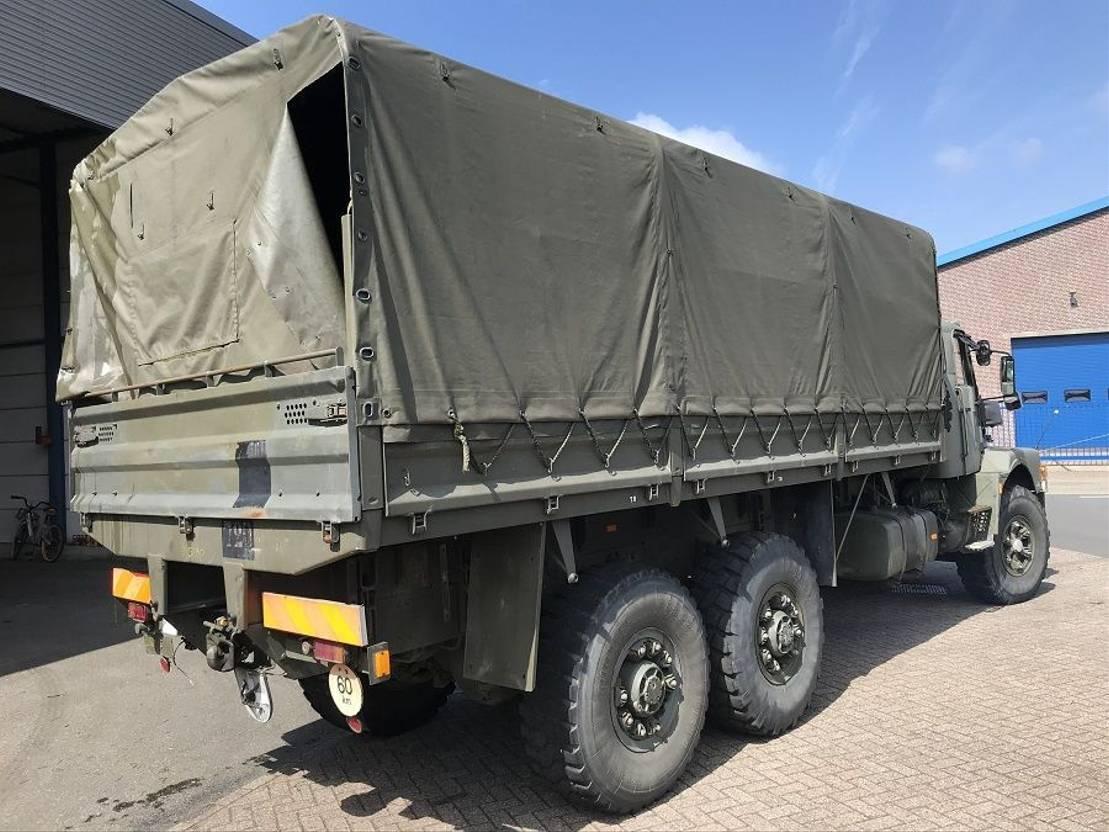 leger vrachtwagen Volvo N10 1989