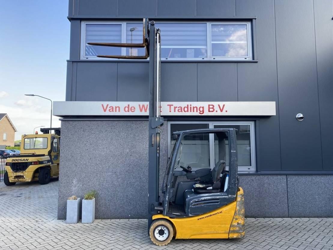 vorkheftruck Jungheinrich EFG 218K Duplo 360 sideshift/4e functie 2012 elektrisch Jungheinrich EFG 218K Duplo 360 sideshift/4e functie 2012 elektrisch 2012