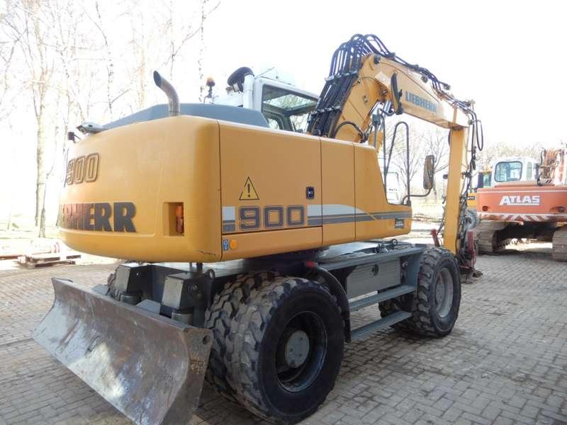 Liebherr - 900C 3