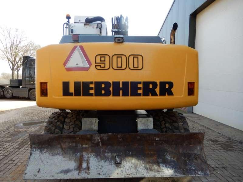 Liebherr - 900C 2