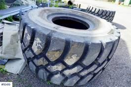 uitrusting overig 2 Good Year GP-40 875/65R29 tires