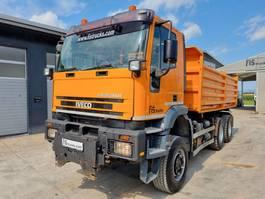 kipper vrachtwagen > 7.5 t Iveco Eurotrakker 260 E44W tipper 6x6 - EURO 3 2001