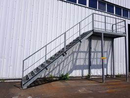 ladder en trap Vamiro Steel stairs - 400x662x110cm, stairs to the hall, stairs to the container, stairs, staircase container - NEW 2021