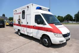 ambulance bedrijfswagen Mercedes-Benz 413 CDI KRANKENWAGEN 2003