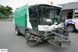 Veegmachine vrachtwagen Ravo 540 sweeper car with few hours. 2007