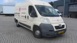 gesloten bestelwagen Peugeot 330 L2H2 2.2HDI MOTORSCHADE 2011