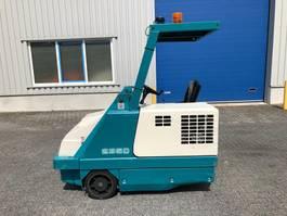 veegmachine Tennant 235D, Veegmachine, Diesel, hoogkieper 1995