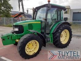 standaard tractor landbouw John Deere 5720 tractor landbouw trekker 2005 6121 uur 4wd 2005