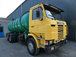 kolkenzuiger vrachtwagen Scania R113 6x2 blatt/lammes/spring 1992