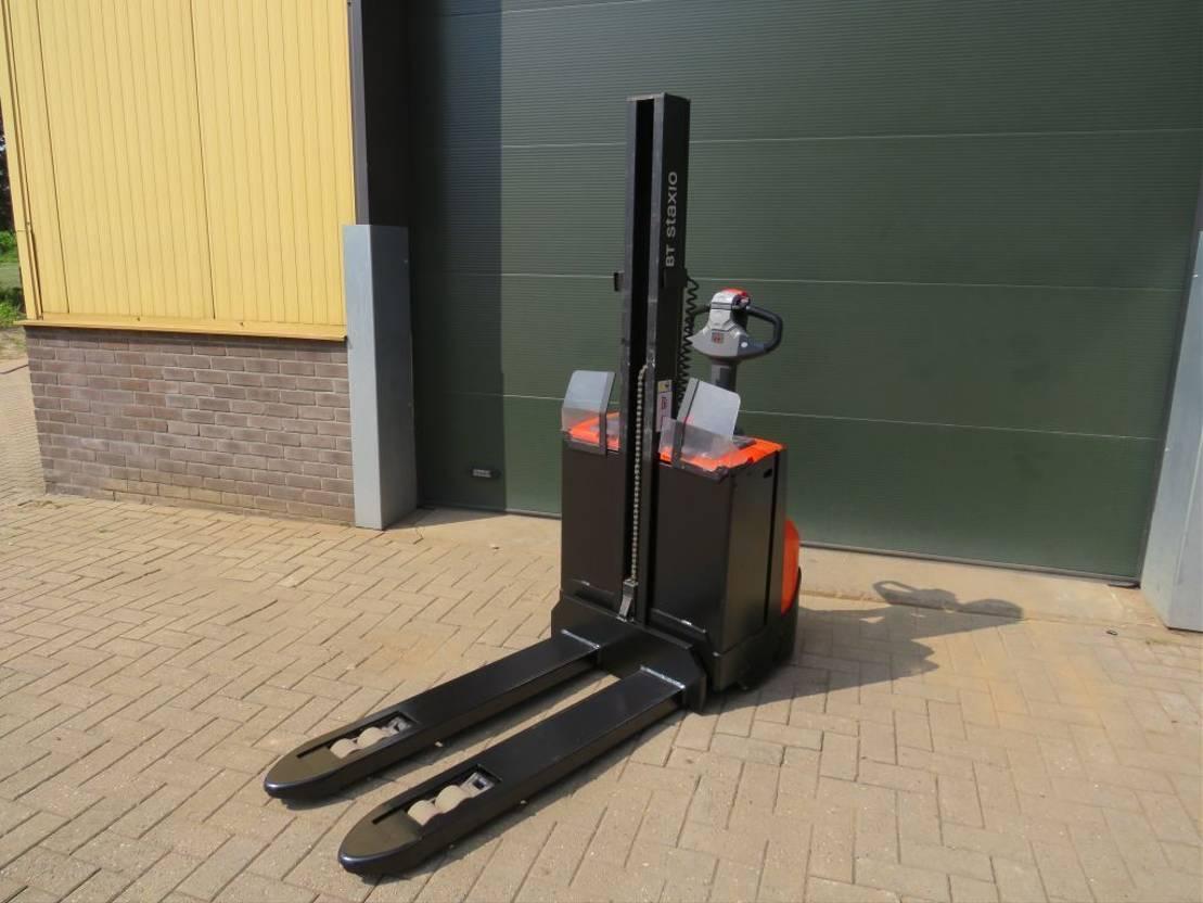 vorkheftruck BT SWE-080-L stapelaar elektrische 2011