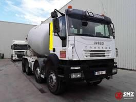 betonmixer vrachtwagen Iveco Trakker 380 8x4 9m2 2006