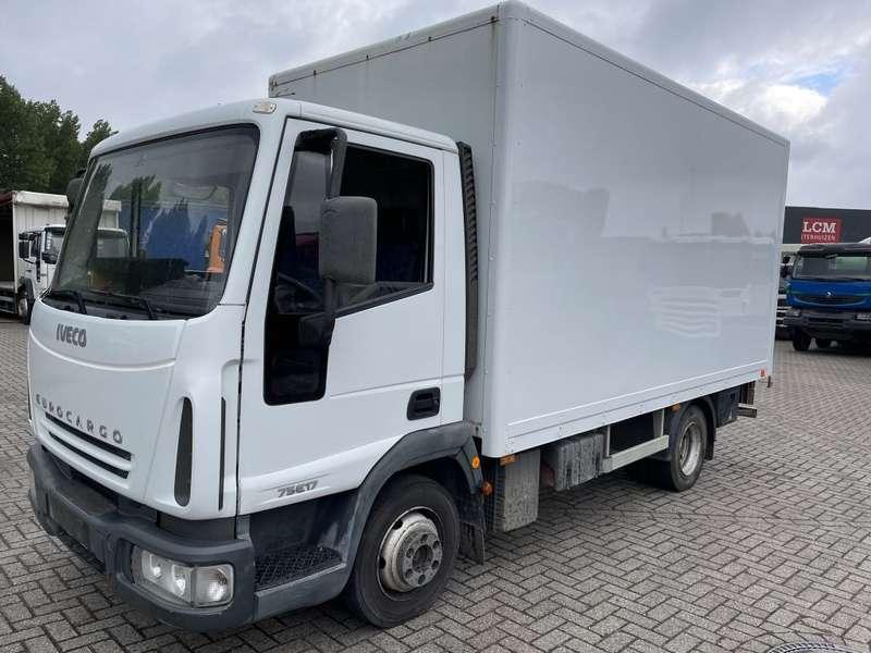 Iveco - E17 bakwagen plus laadklep 11