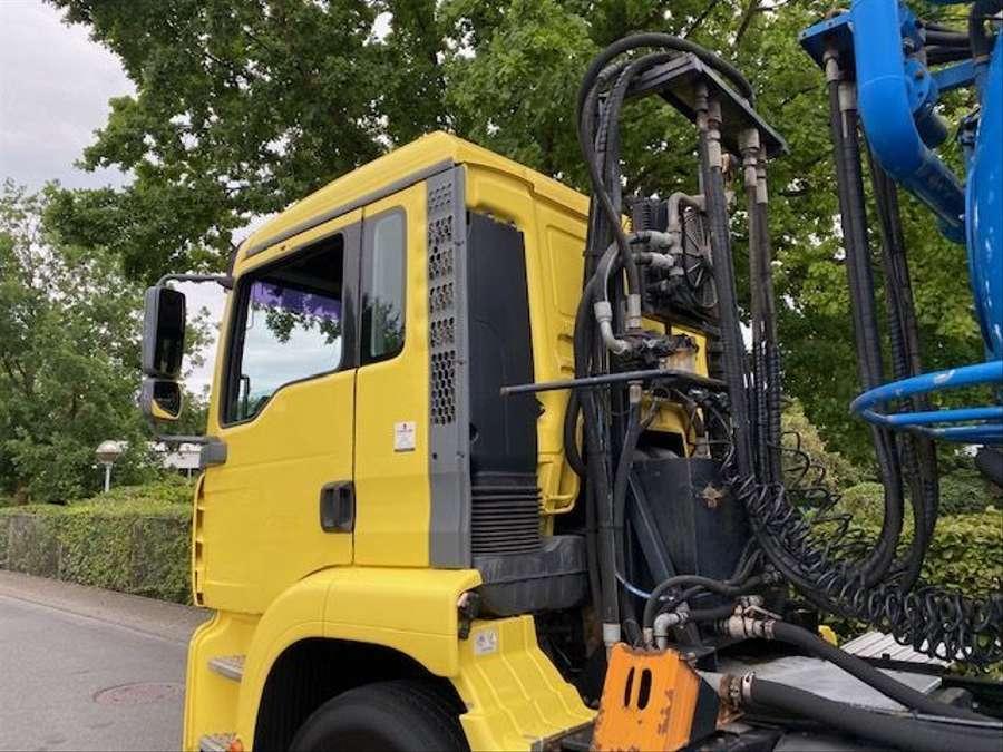 MAN - Saug- und Druckwagen/25000L 19