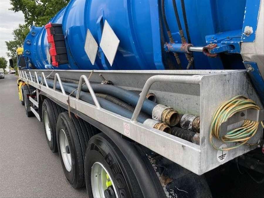 MAN - Saug- und Druckwagen/25000L 26