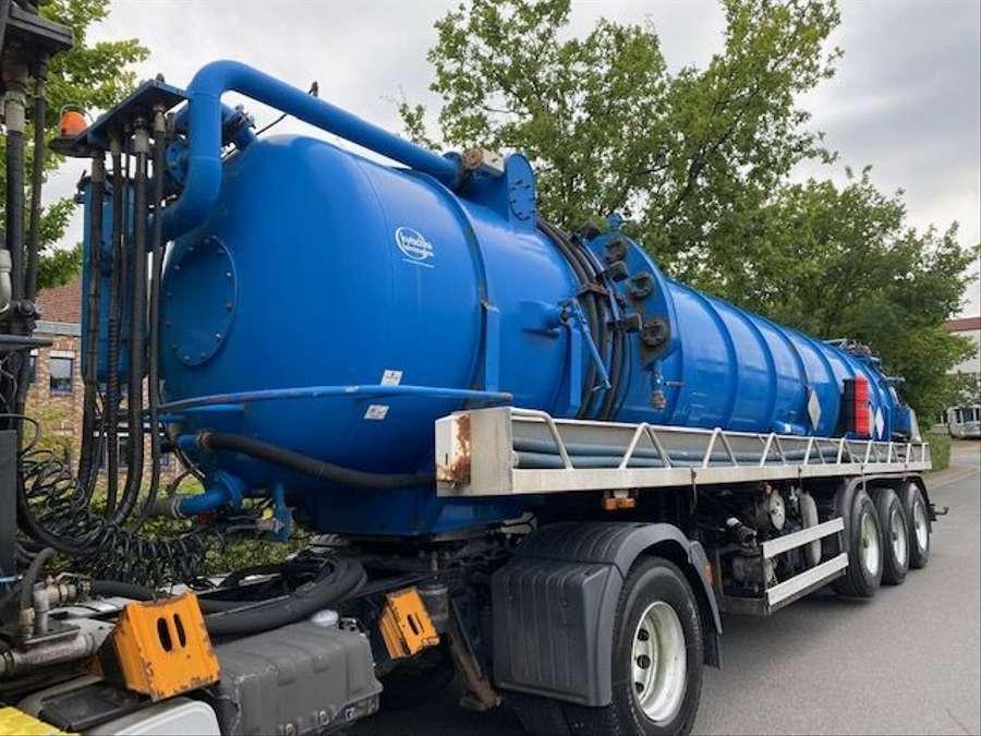 MAN - Saug- und Druckwagen/25000L 5