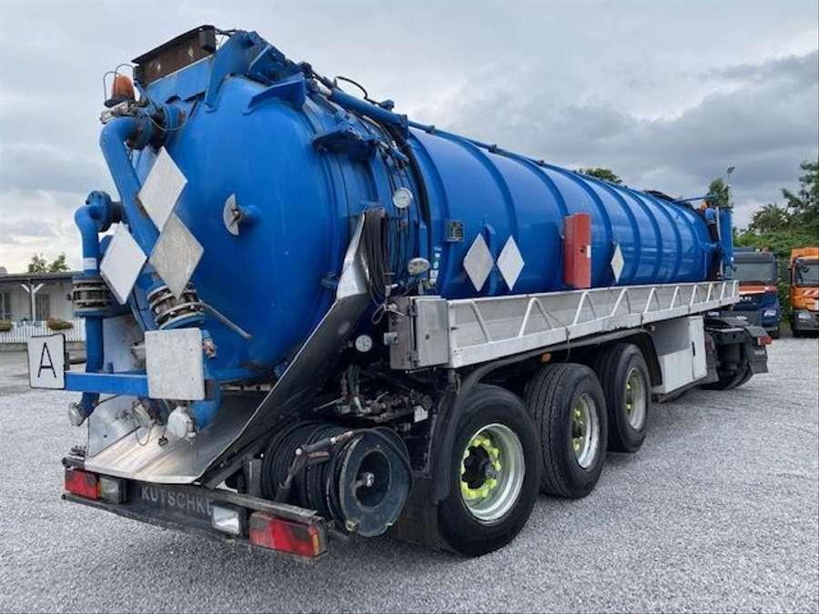 MAN - Saug- und Druckwagen/25000L 8