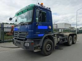 containersysteem vrachtwagen Mercedes-Benz ACTROS 2646 6X4 HOOKSYSTEM / EPS 3 PEDALS / BIG AXELS / STEEL !! 2004