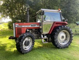 standaard tractor landbouw Massey Ferguson 2640 4 WD