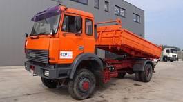 kipper vrachtwagen > 7.5 t Iveco Magirus 180 - 23 (GRAND PONT / SUSPENSION LAMES / 4X4 / V8 MOTEUR AVEC POMPE MANUELLE) 1992