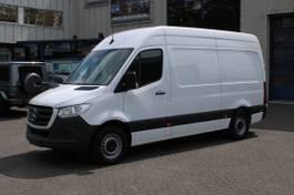 gesloten bestelwagen Mercedes-Benz 314 CDI L2H2 Camera, MBUX, Airco, Cruise control 2020