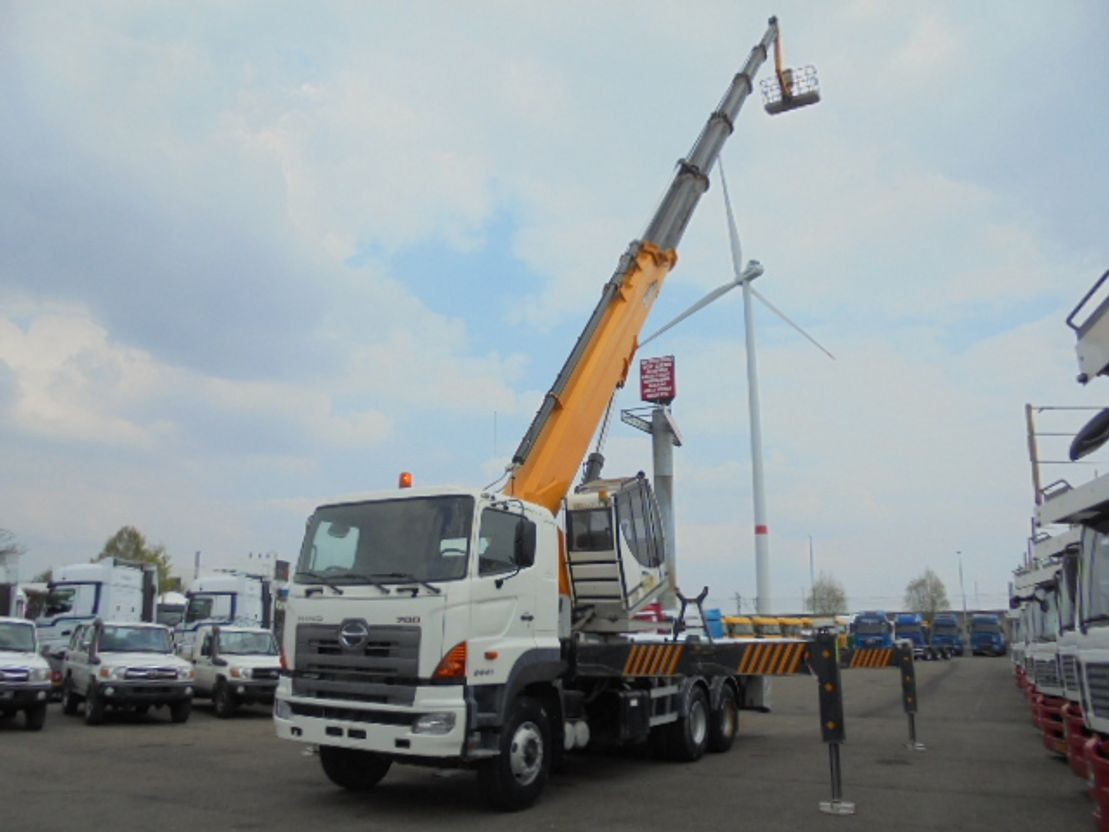 autohoogwerker vrachtwagen Hino 700 6X4 2 UNITS 2020