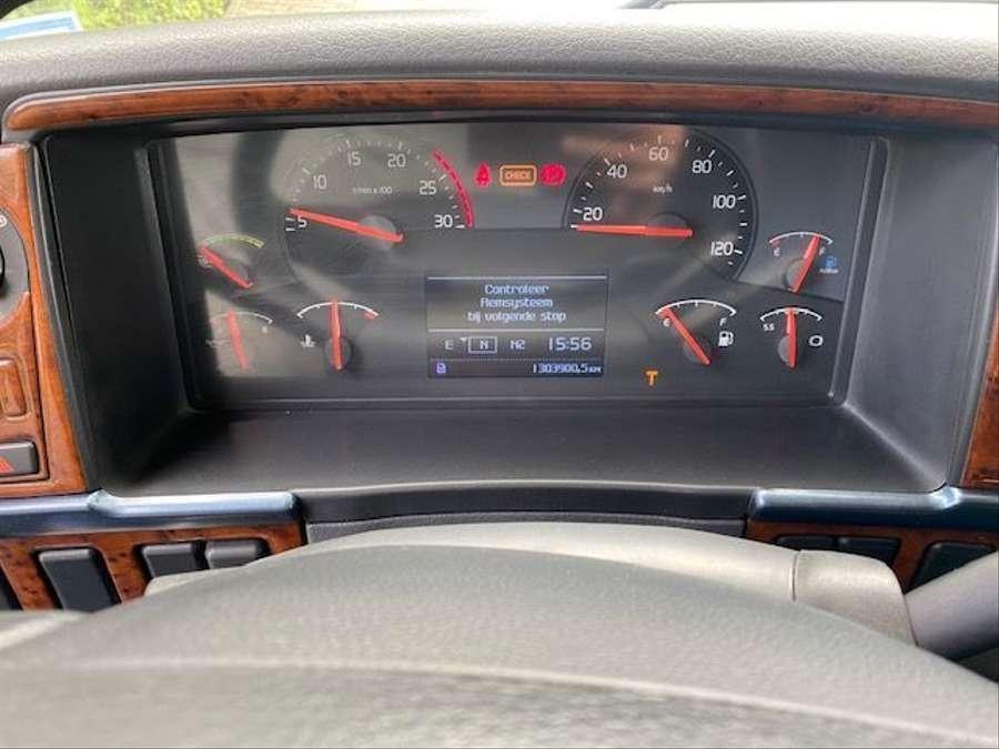 Volvo - 4X2 / Blatt-Luft / Euro 5 14