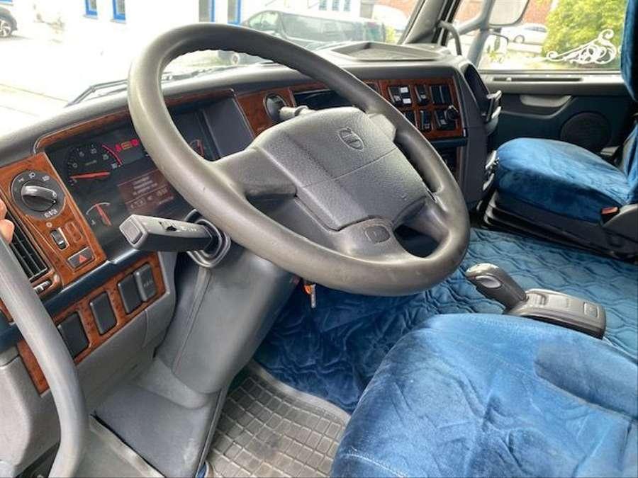 Volvo - 4X2 / Blatt-Luft / Euro 5 12