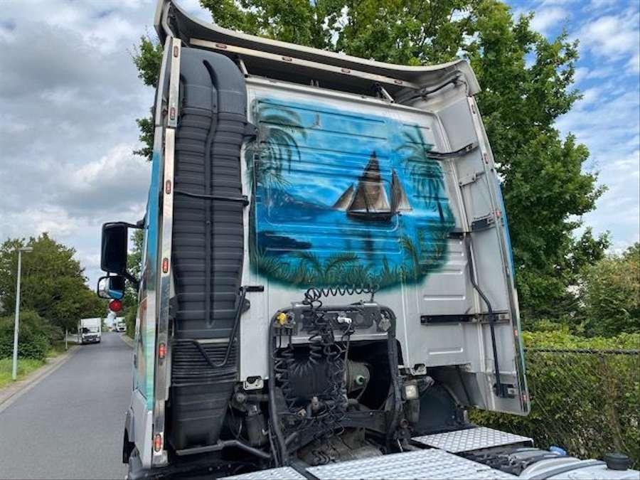Volvo - 4X2 / Blatt-Luft / Euro 5 9
