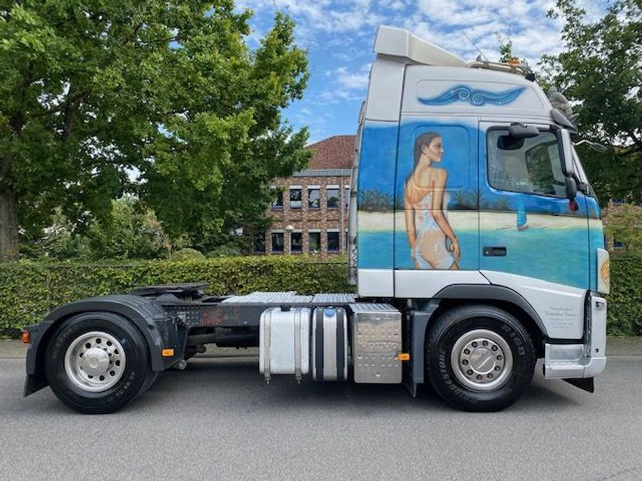 Volvo - 4X2 / Blatt-Luft / Euro 5 25